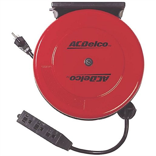 3 Outlet Extendable Cord Reel